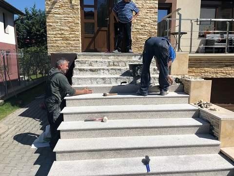 montaj trepte granit exterior..